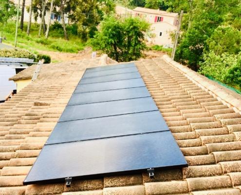Installation de panneaux solaires à Les Mayons