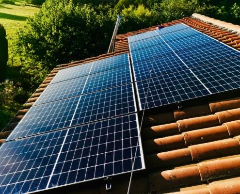 Installation de panneaux solaires à Saint-Denis-Lès-Bourg